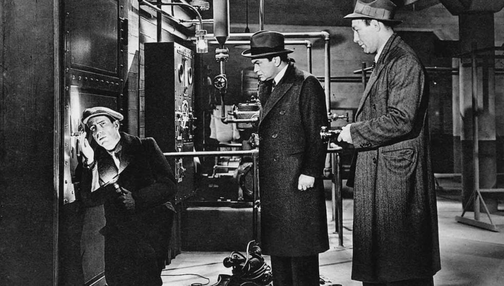 Edward G. Robinson (centre) leads a dangerous double life. Image lksdjf klsadfj