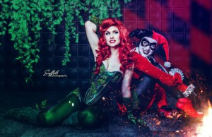 harley-quinn-and-poison-ivy-650x421