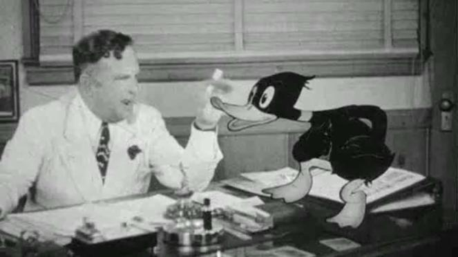 Daffy Duck sells his talents to Leon Schlesinger. Image: lksdj fjd