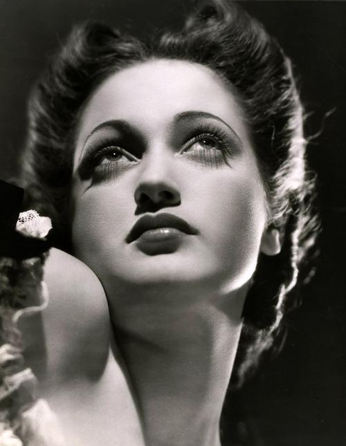 The Glamorous Dorothy Lamour. Image: detudoum96.tumblr.com