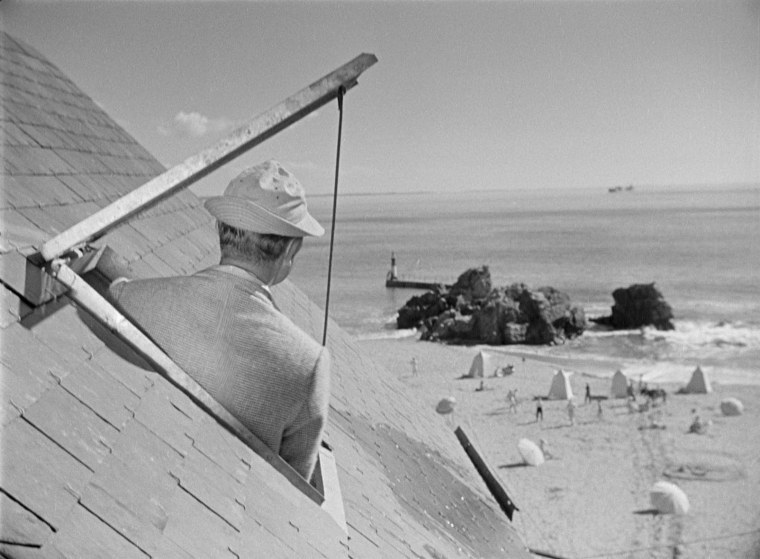 Monsieur Hulot surveys the French seaside. Image: festival-entrevues.com