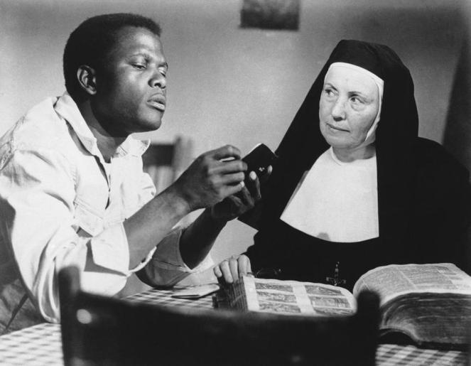 Sidney Poitier and Lilia Skala have a battle of wills. Image: Boston Globe