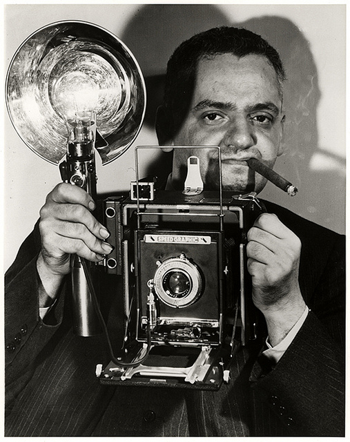 weegee-self