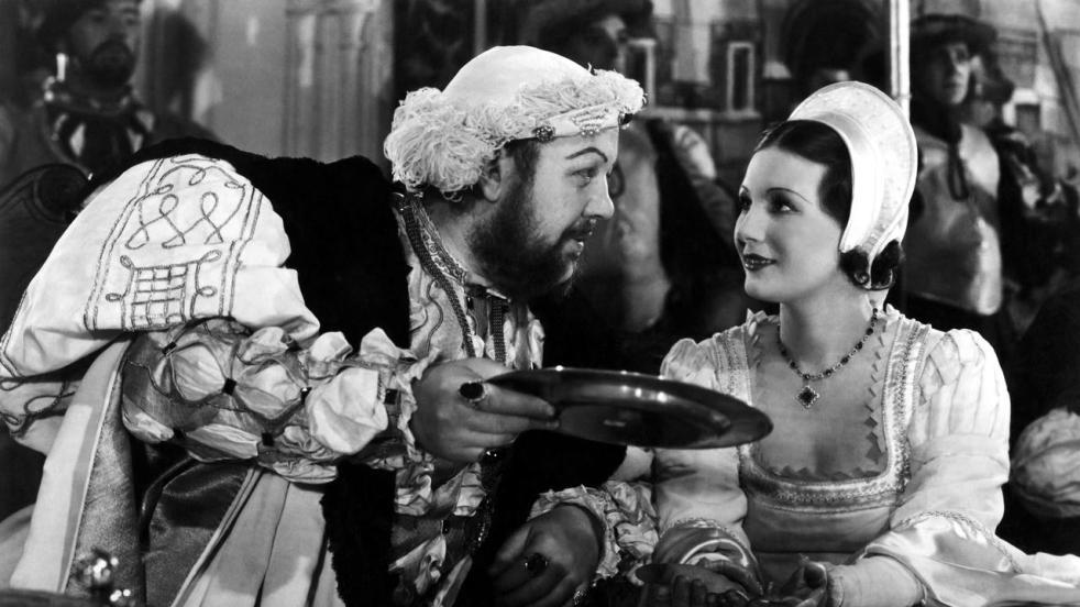 Charles Laughton as Henry VIII is a seasoned flirt. Image: mini.com
