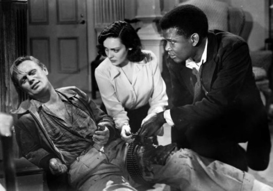 Poiter and Linda Darnell tend to Widmark, again. Image: The Film Yap