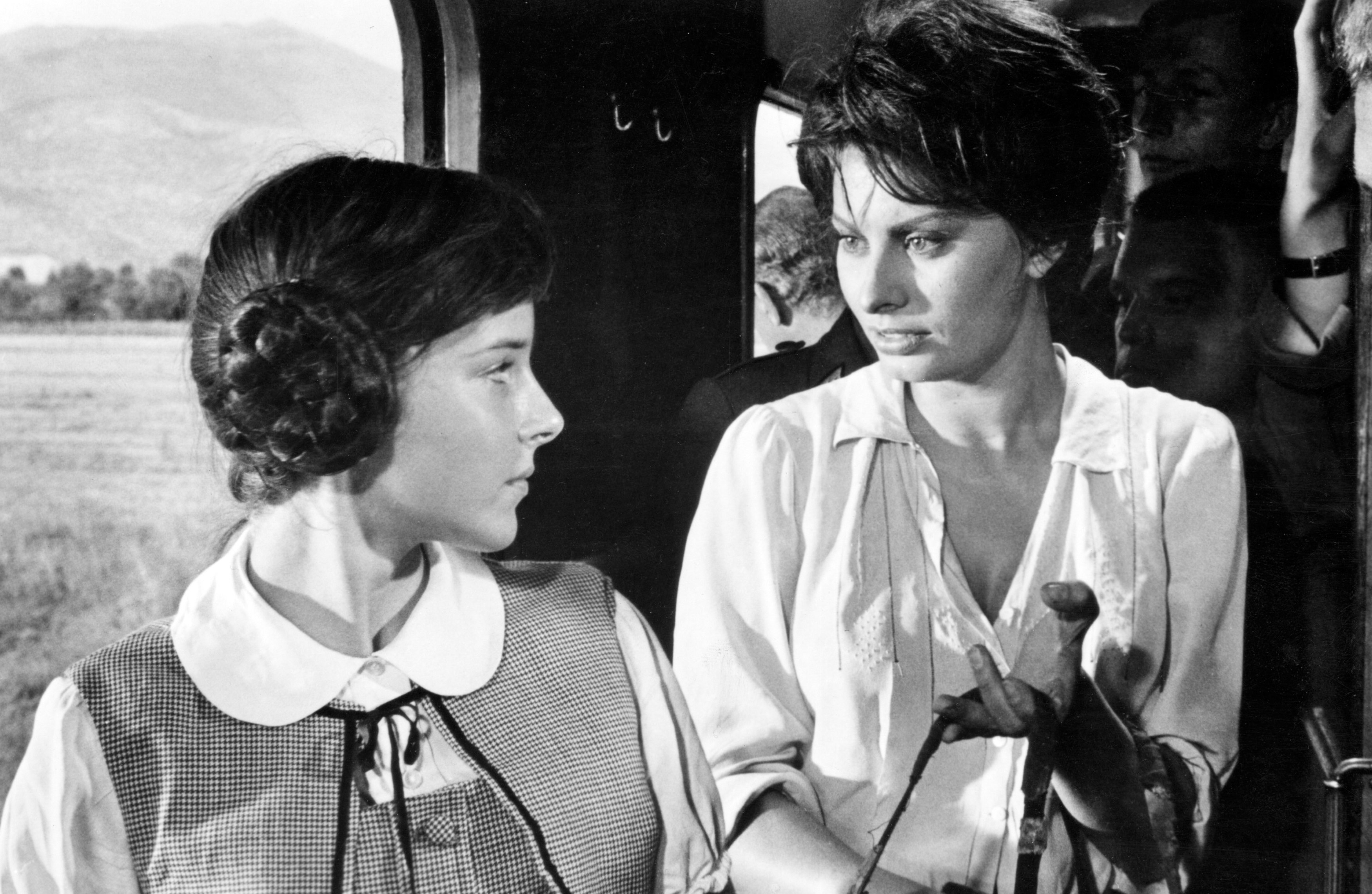 https://silverscreenings.files.wordpress.com/2019/05/sophie-loren-two-women-1960.jpg